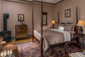 bedroom in Inn in Easton, pa