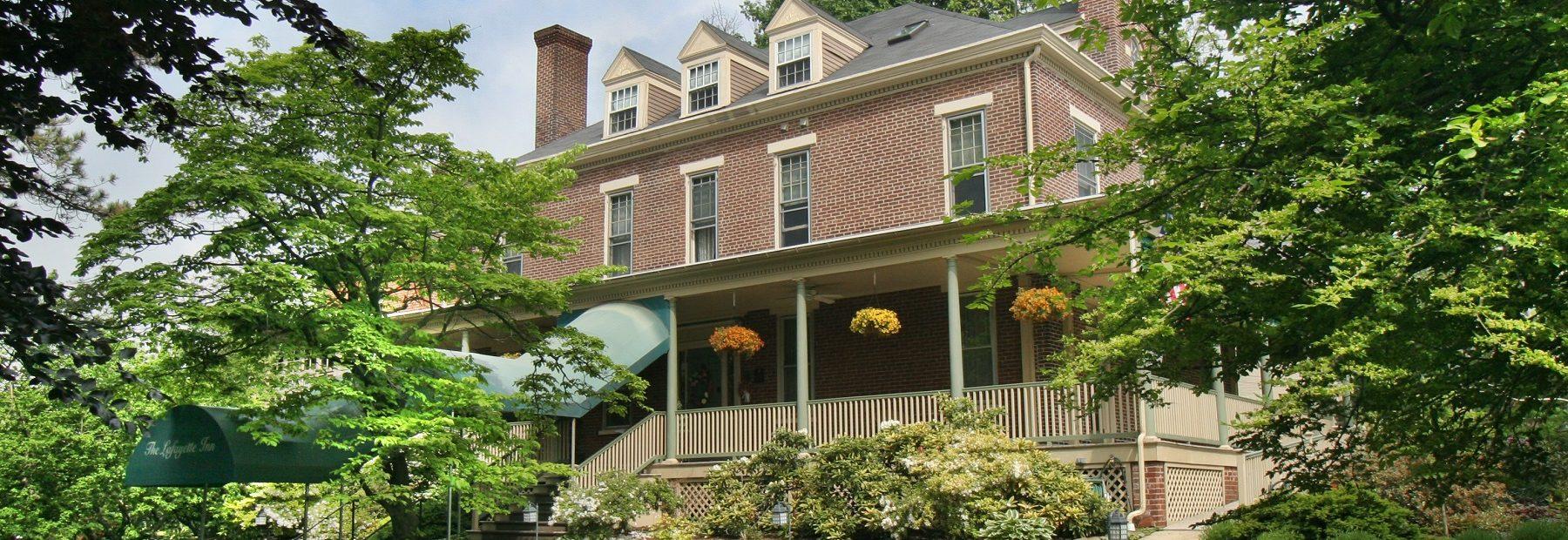 Lafayette Inn Front Exterior