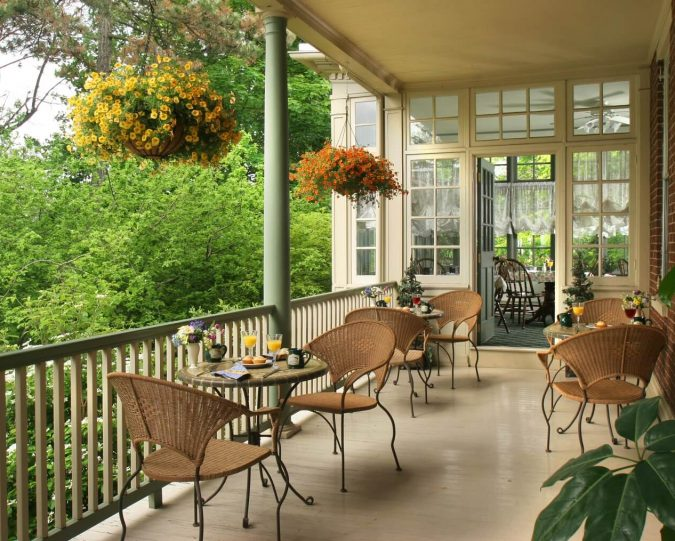Breakfast on the Porch at the Lafayette Inn